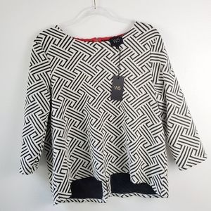 New W5 Geometric Knit Black & White Top